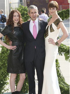 Stuart Rose with Erin O'Connor and Lizzie Jagger