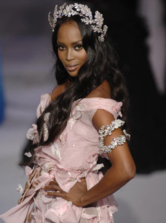 Naomi Campbell in Dior Couture