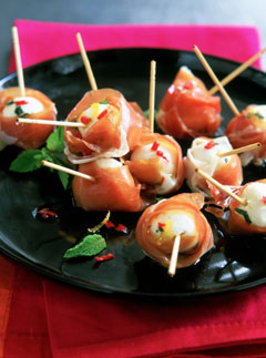 Xmas Canapés: Marinated bocconcini wrapped in Parma ham