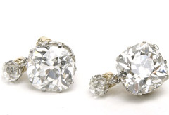 Marie Claire World News:Diamond and platinum earrings