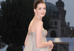 Marie Claire Celebrity News: Anne Hathaway