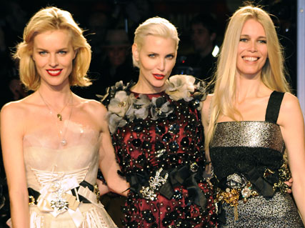 Eva Herzigova-Nadja Auerman and Claudia Schiffer-Milan Fashion Week-Dolce and Gabbana A/W 2009-Celebrity Photos-02 March 2009