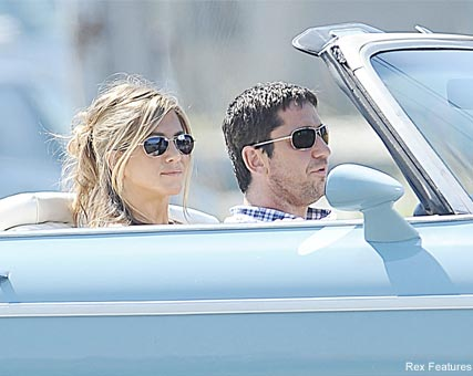 Jennifer Aniston & Gerard Butler - Celebrity News - Marie Claire