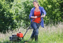Mowing the lawn - News - Marie Claire