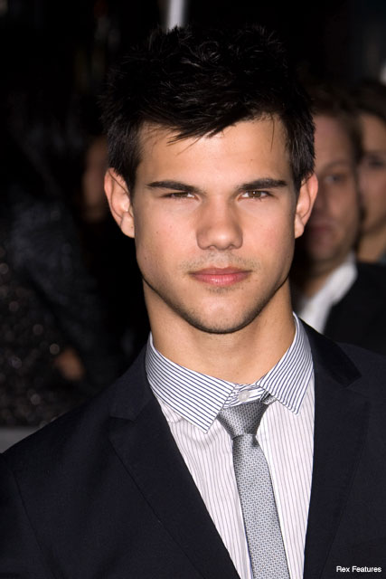 Taylor Lautner - Fashion News - Marie Claire
