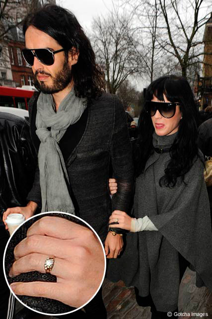 Katy Perry and Russell Brand, Engagement ring