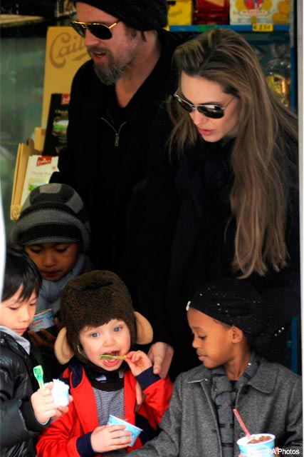 Brad Pitt and Angelina Jolie with children Shiloh, Zahara, Maddox and Pax in Venice