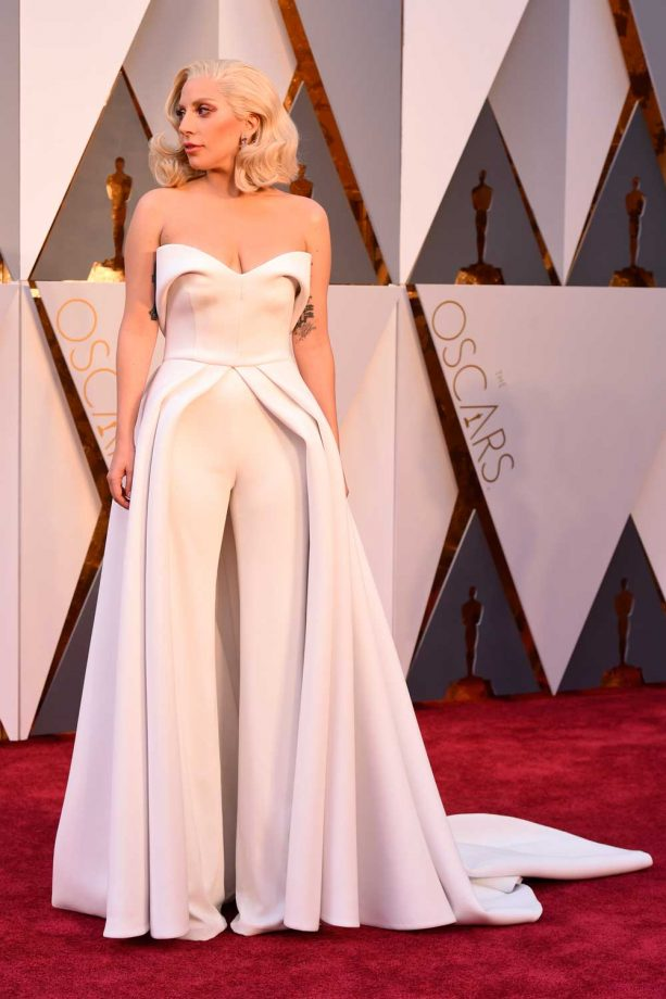 cef8b110dd6 Best Oscar Dresses Of All Time