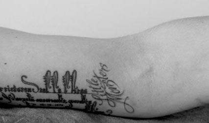 Lady Gaga debuts Little Monster new tattoo on twitter