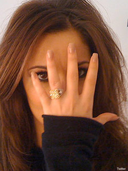 Cheryl Cole's wedding ring Twitter rant - Ashley Cole split - Not wearing wedding ring