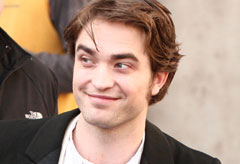 Robert Pattinson wants to star in rom-com - romantic comedy, next Hugh Grant - news - Marie Claire