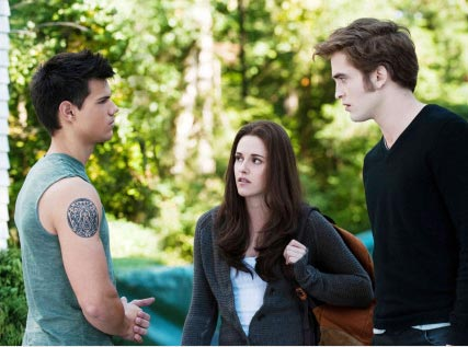 New Twilight Eclipse pics - Kristen Stewart, Robert Pattinson and Taylor Lautner