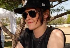 Kristen Stewart rocks out at Coachella Festival 2010, pictures - Marie Claire