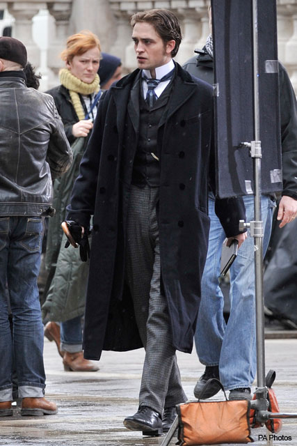 Robert Pattinson filming Bel Ami in Budapest, Hungary - Twilight, RPatz, on set - Marie Claire
