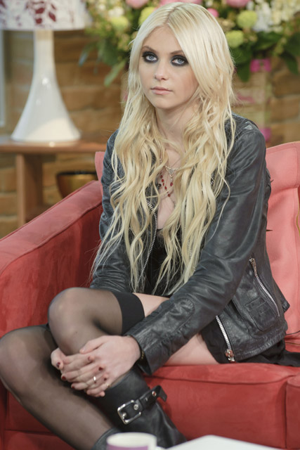 Gossip Girl Taylor Momsen admits carrying a knife Taylor Momsen Now