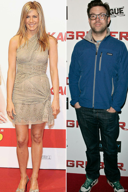 Jennifer Aniston and Jason Sudeikis - Hot new couple alert! Jennifer Aniston dating Jason Sudeikis? - Bounty Hunter - Celebrity News - Marie Claire