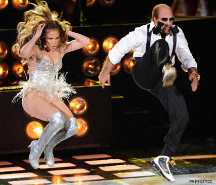 Tom Cruise and Jennifer Lopez - WATCH Tom Cruise and Jennifer Lopez?s hilarious MTV Movie Awards performance - MTV Movie Awards - 2010 - Celebrity News - Marie Claire