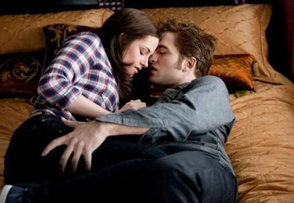 Robert Pattinson & Kristen Stewart - Eclipse stills - Eclipse trailer - Twilight eclipse stills - Celebrity News - Marie Claire