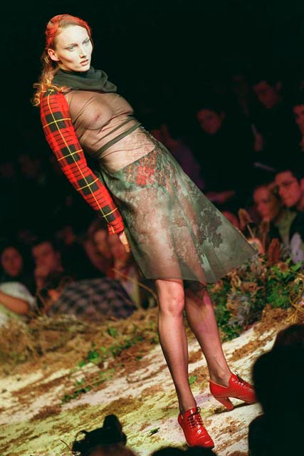 Alexander McQueen retrospective-Fashion Photos-11 February 2010