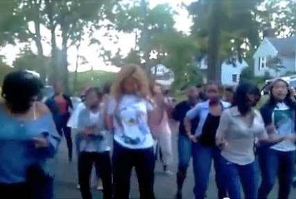 Beyonce - Beyonce from the block joins fans during street dance - Street party - Jay-Z - Celebrity News - Marie Claire