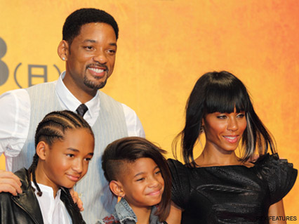 Willow Smith - Jay-Z Signs Will Smith