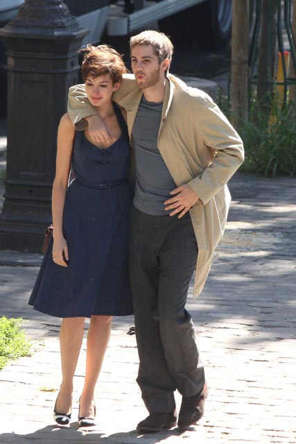 Anne Hathaway and Jim Sturgess filming One Day in Paris
