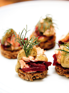 Rye toasts with salmon, dill mustard and beetroot - January recipes