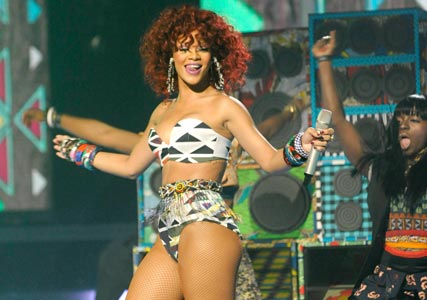 Rihanna prompts complaints for raunchy X Factor performance