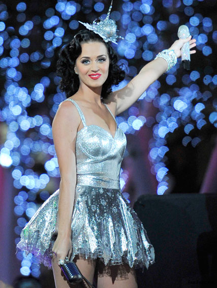 Katy Perry - Grammy Nominations 2011 - Grammys - Celebrity News - Marie Claire