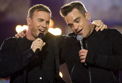 Robbie Williams and Gary Barlow - PICS! Robbie Williams and Gary Barlow reunite at Help for Heroes Concert - Help for Heroes - Celebrity - Marie Claire