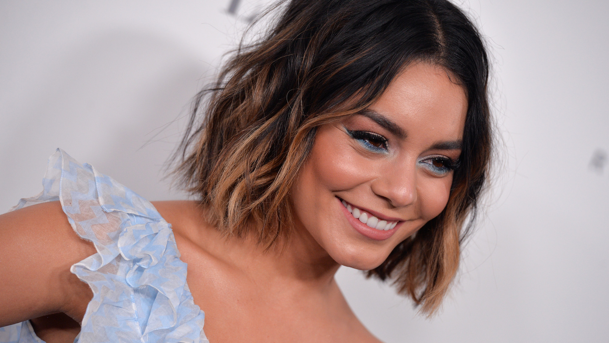 dip dye short hair styles dip dye hairstyles from some of our favourite 3959 | Vanessa Hudgens