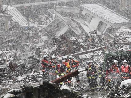 Heavy snowfall disrupts Japan search and rescue - earthquake, tsunami, dead, missing, thousands, homeless, freezing, temperatures, world, news, Marie Clarie