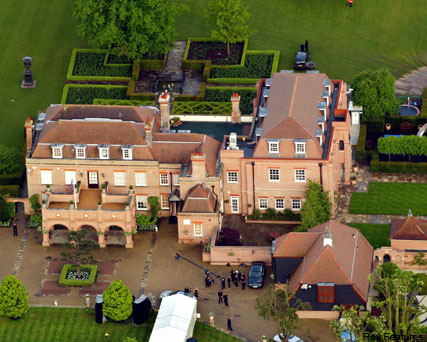 Beckingham Palace - David and Victoria Beckham - Celebrity News - Marie Claire