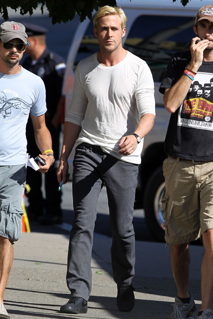 Ryan Gosling - Ryan Gosling breaks up a fight in NYC - Marie Claire - Marie Claire UK