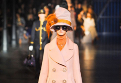 Louis Vuitton A/W, Paris Fashion Week, Marc Jacobs, Louis Vuitton Marc Jacobs, Louis Vuitton Marc Jacobs train, Louis Vuitton Marc Jacobs Paris Fashion Week, Louis Vuitton Marc Jacobs catwalk show, Louis Vuitton train on catwalk, fashion news, Mark Jacobs