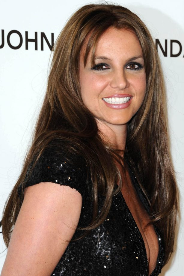 Britney Spears Debuts Brown Hair At The Oscar After Parties