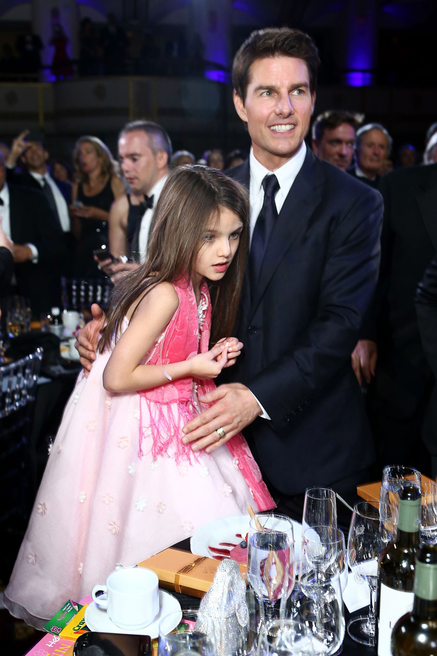 Suri And Tom Cruise Reunite As She Jets To Uk For Thanksgiving