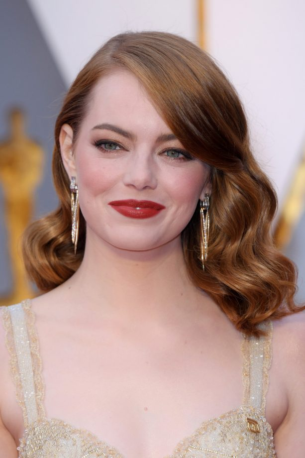 Hairstyles For Round Faces Emma Stone