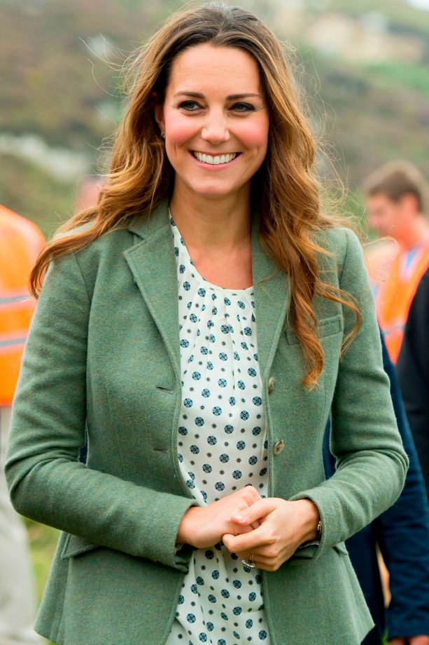 Kate Middleton wears a green jacket in Angelsey