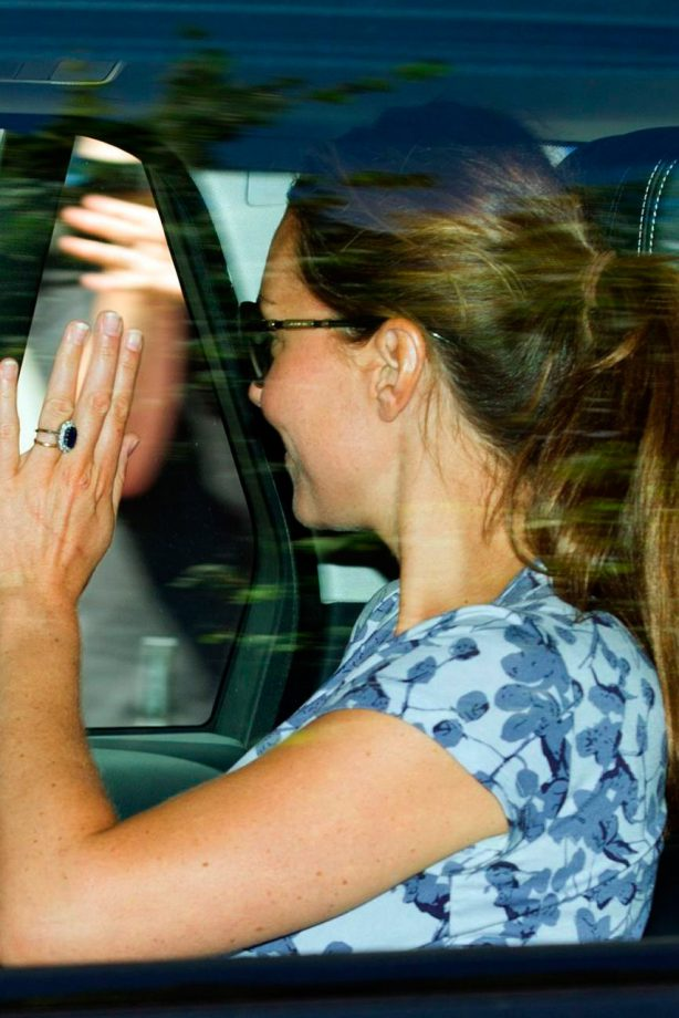 Kate Middleton and Prince William leave Kensington Palace