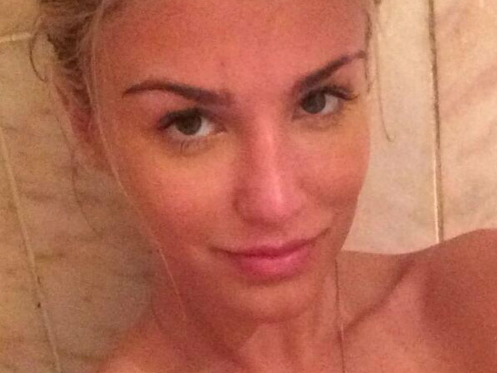 Celebrities Without Makeup: Our Fave Bare-Faced Beauties ...