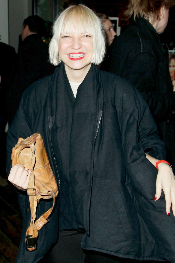 Sia Furler Performs Chandelier On Ellen, But Refuses To Face The ...