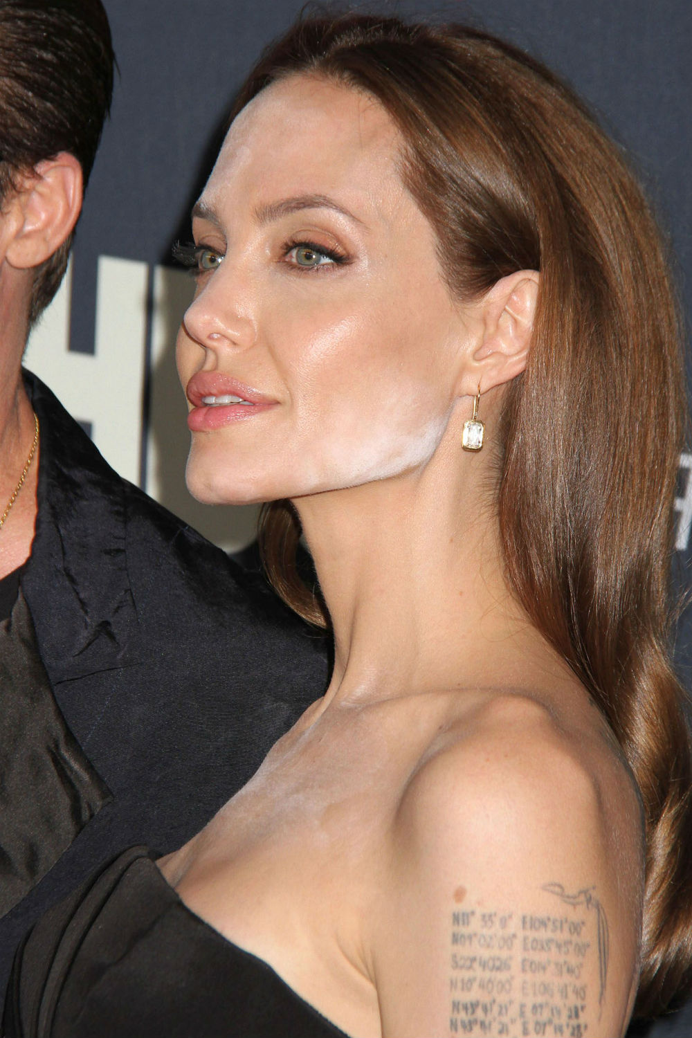 Angelina Jolie All Sex Videos angelina jolie makeup mistake: this is what went wrong