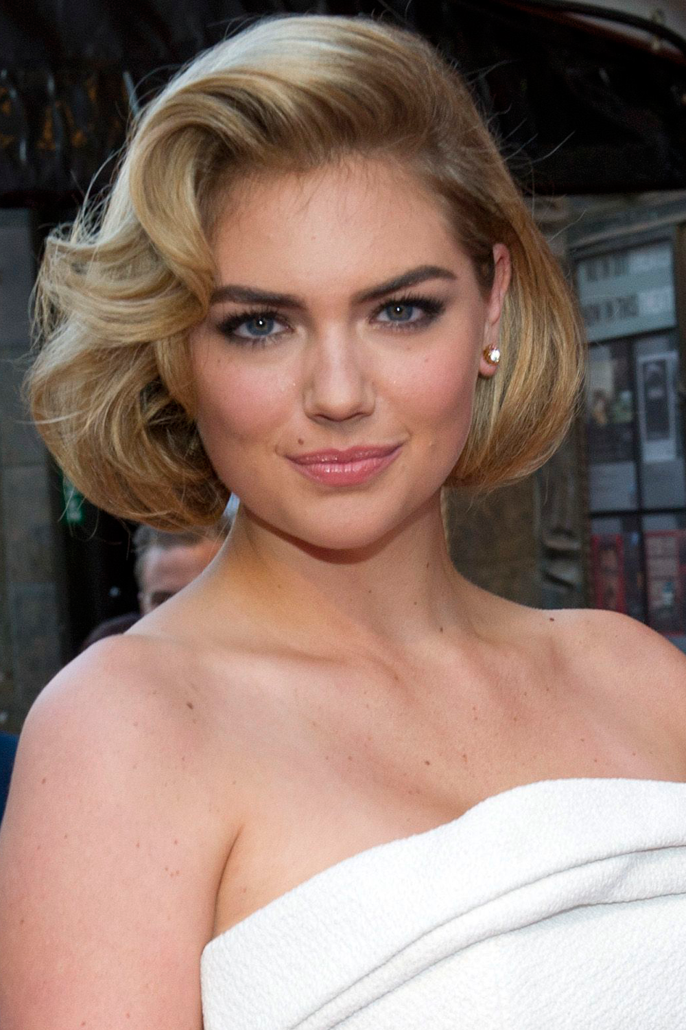 Kate Upton: 7 Updo Hairstyles We Can Copy From The Queen Of Glam