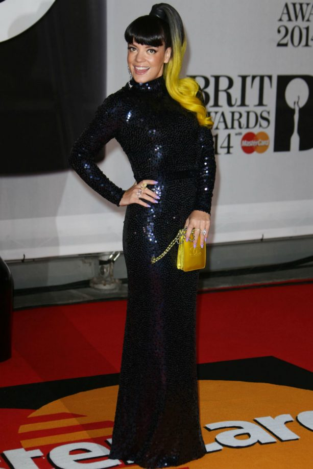 Lily Allen had a neon yellow dip-dye ponytail at the Brit Awards 2014.