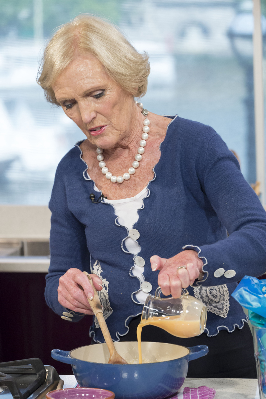 Mary Berries Mary berry 11 things you definitely didnt know mary whipping up a storm in the kitchen sisterspd