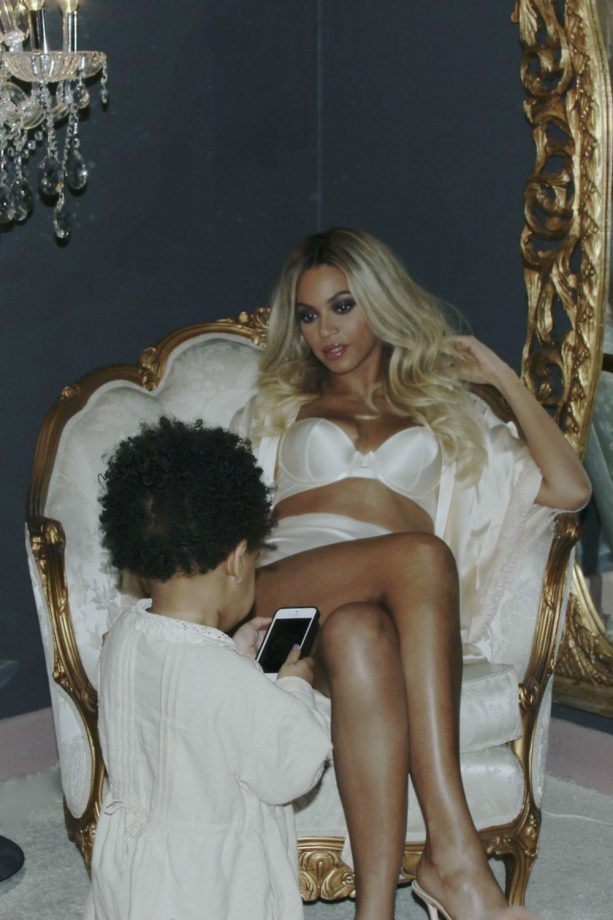 Beyoncé goes glam at home with Blue Ivy