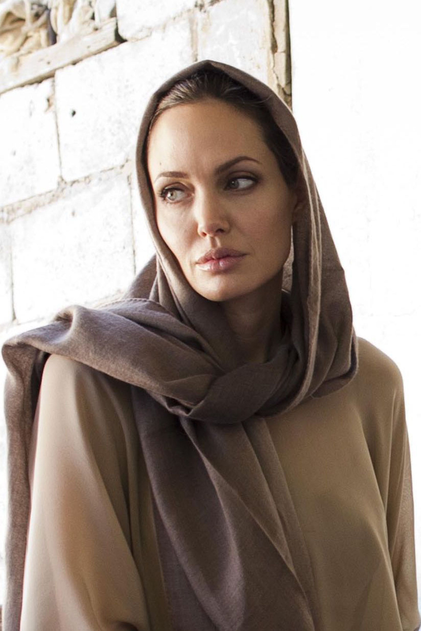 Angelina Jolie donates 50,000 to Malala charity
