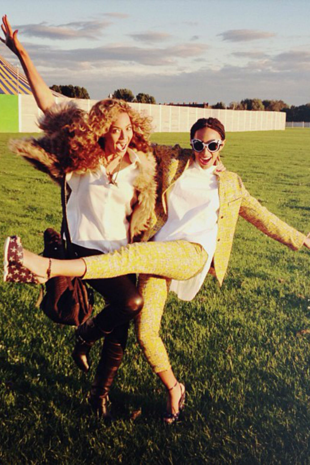 Solange Knowles Deletes Pictures of Beyonce From Instagram ...