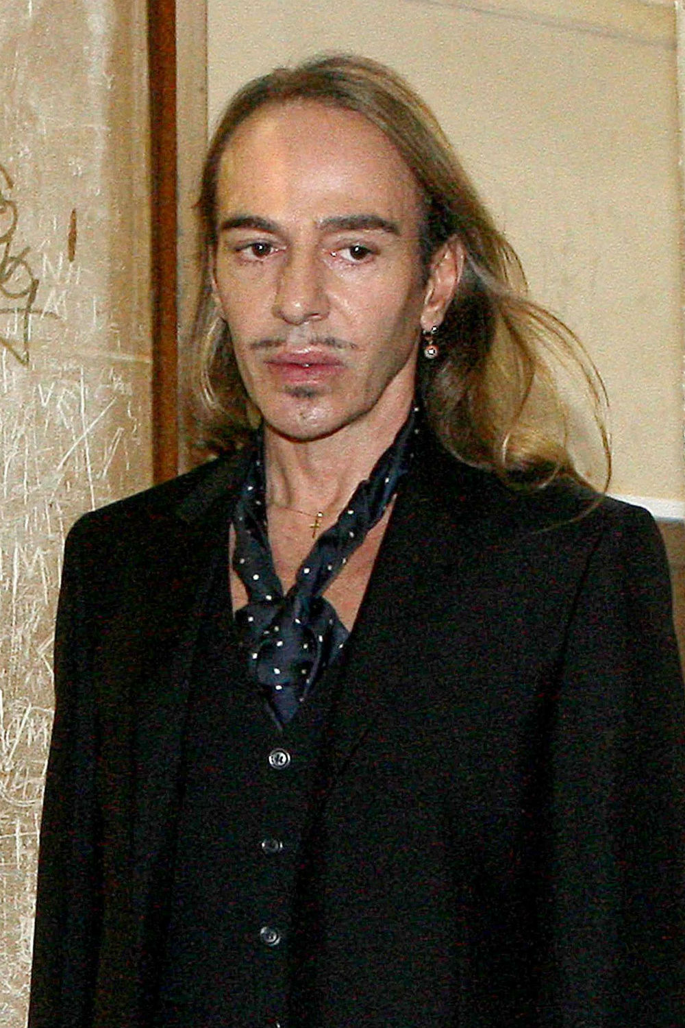 john galliano u2019s legal battle with dior isn u2019t over yet u2026